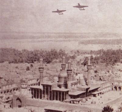 Dos modernos aviones iraquíes vuelan sobre la ciudad de Bagdad