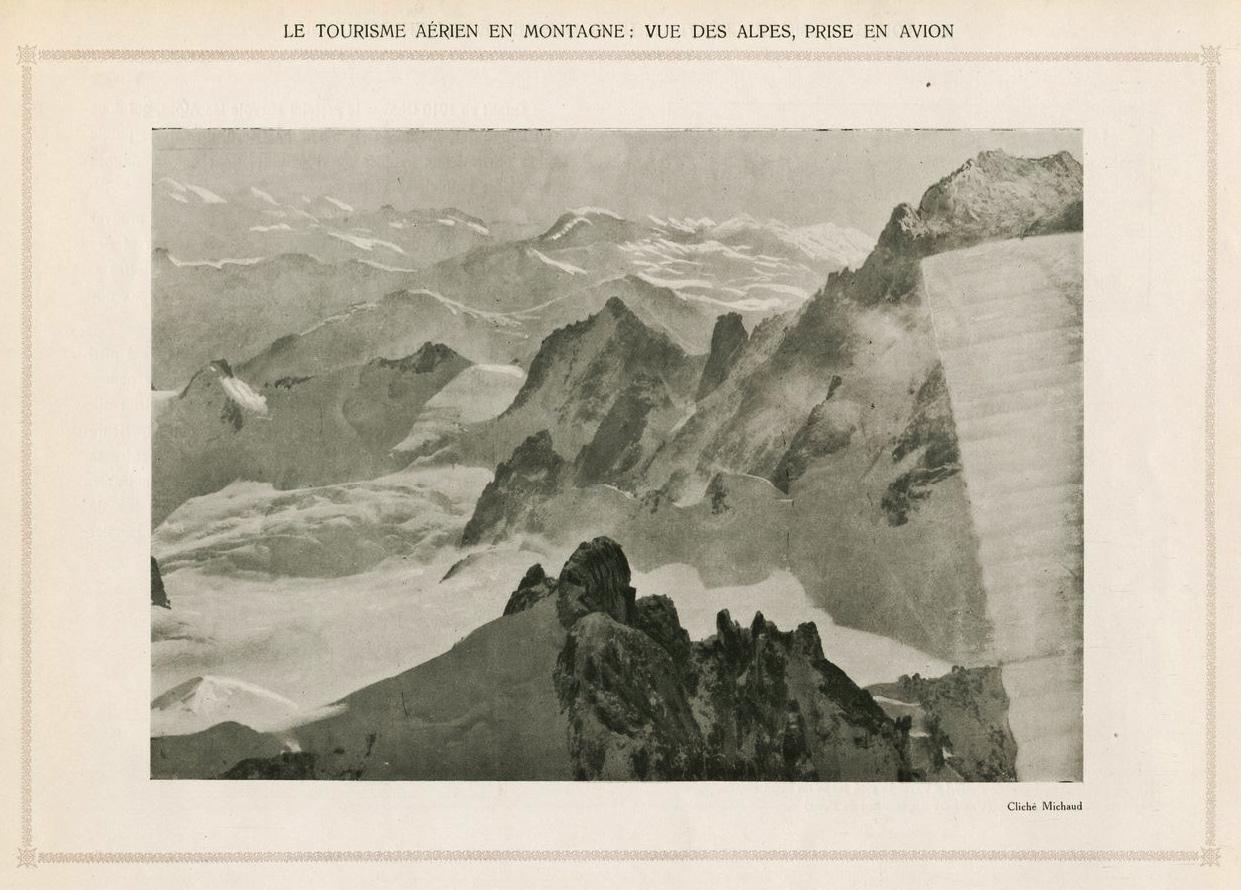 Le tourisme aérien en montagne: vue des Alpes, prise en avion