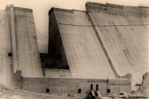 La presa del Porma en construcción: las obras ciclópeas del desarrollismo