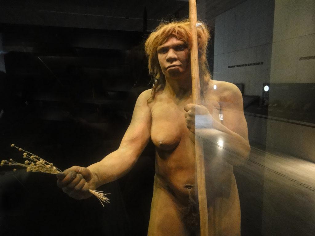 Los curas y los neandertales