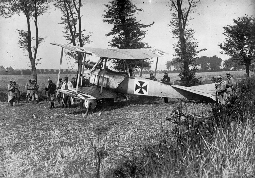 Un avión alemán intacto, caído del cielo