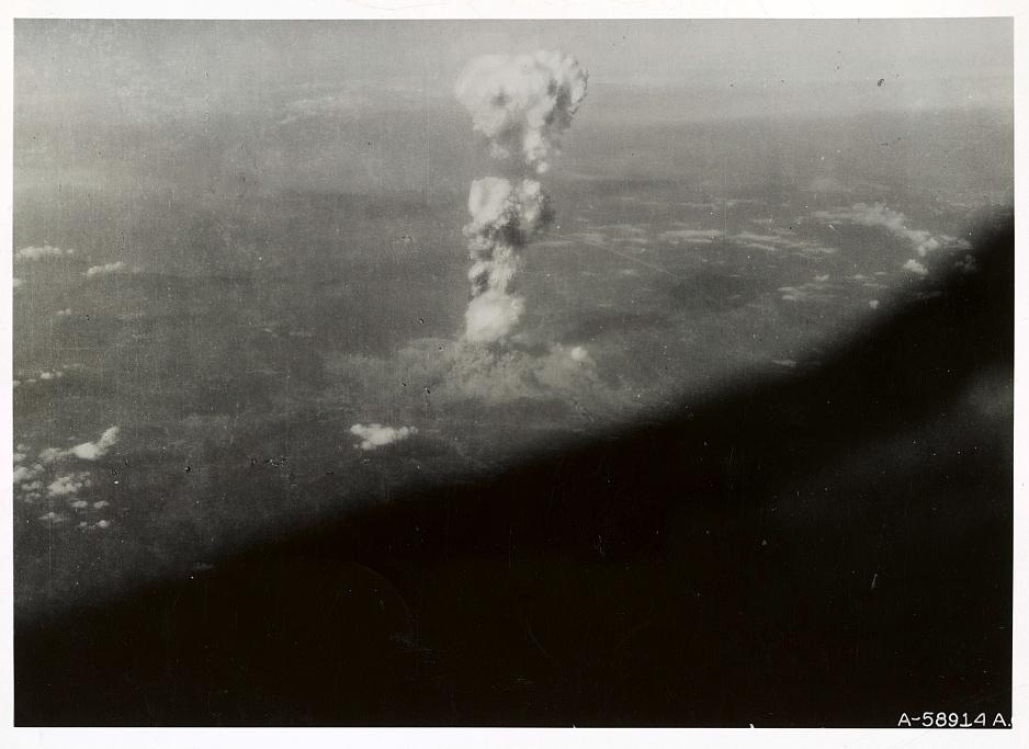 Armas definitivas: el napalm, la bomba atómica y el B-29